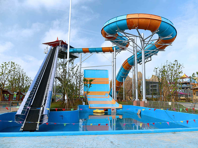 water slides and swimming pools RV Campgrounds in Tonopah, Nevada